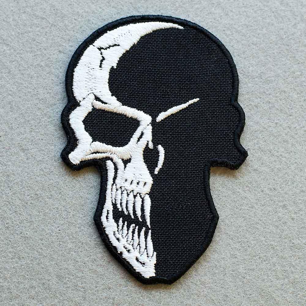 Photo 1 - This Creative Skull Biker patch (biker_patch_creative_skull_bike_photo.jpg) - www.embroidery.design