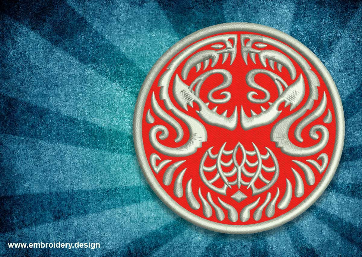 Patch ornament of two dragons